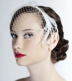 Retro glam bridal beauty - one of the hottest trends in wedding makeup for 2012