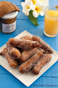 How to make Firi Firi: Tahitian doughnuts made with coconut milk. Beignets, Luau Party Desserts, Tahiti, Vegan Breakfast Recipes, Dessert Recipes, Donut Recipes, Cooking Recipes, Luau Food, Brunch