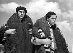 'Mariñeiros', (Fishermen in Galicia) ca. 1936 - José Suárez, Photographer (Galicia, Spain - Allariz, Ourense, 1902 - A Guarda, Pontevedra, 1974)