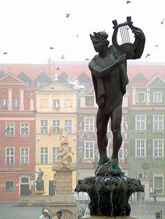 Poznan Poland, Fontanna Apolla na Starym Rynku [fot.Jan Bogdan Boczko] (I climbed to up and we played his arp together :D)