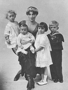 Princess Ekaterina Dogoroukaya, 2nd morganatic wife of Csar Alexander II and their four children, George,Olga,Catherine and Boris who died as a child.