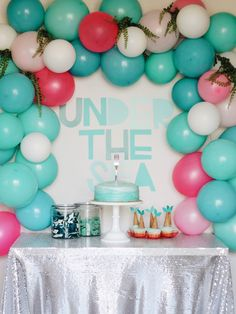 Little Baby Garvin: Harper's Mermaid Inspired Birthday Party with a balloon arch and Dinglehopper cake! Mermaid Theme Birthday, Little Mermaid Birthday, Little Mermaid Parties, Balloon Birthday, Garvin And Co, Little Baby Garvin, 4th Birthday Parties, Birthday Wishes, Birthday Ideas