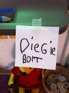 Gezien op twitter: kinderen zelf etiketten laten maken voor dingen in het lokaal of daarbuiten