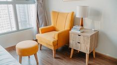 Contemporary living room furniture ideas to give you inspiration and help you make a plan. New Furniture, Living Room Furniture, Living Room Decor, Living Room Modern, Interior Design, Room Interior, Home Decor, Yellow Armchair, Adhesive Wallpaper