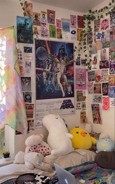 Indie Bedroom, Indie Room Decor, Cute Bedroom Decor, Room Design Bedroom, Room Ideas Bedroom, Retro Room, Cute Room Ideas, Aesthetic Room Decor, Dream Rooms