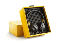fools gold limited edition tma-i headphones from AIAIAI sold out :( Audiophile Headphones, Dj Headphones, Le Manoosh, Electronic Packaging, Bluetooth, Fool Gold, Dj Equipment, Electronic Devices, Mellow Yellow