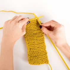 Beginner Knitting 1: I have been looking for a tutorial that shows you how to knit from the slip knot! Finally!