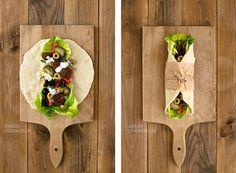 Chleb lavas z warzywami i falafelem