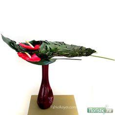 600 x 600 ( Ikebana Arrangements, Flower Arrangements Simple, Arreglos Ikebana, Sogetsu Ikebana, Bouquet, Japanese Flowers, Leaf Flowers, Arte Floral, Leaf Design