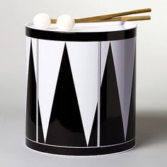 Great design on this Drum/Acne jr black and white chevron - great looking..