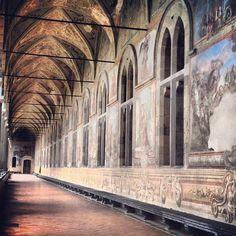 La basilica di Santa Chiara, con l'annesso complesso monastico, entrambi conosciuti anche come monastero di Santa Chiara, è un edificio di culto edificato tra il 1310 e il 1340, su un complesso termale romano del I secolo d.C., per volere di Roberto d'Angiò e della regina Sancha d'Aragona, nei pressi della cinta muraria occidentale, a Napoli.
