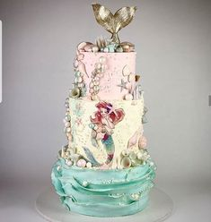 So gorgeous! New 3 tiered little Mermaid cake design! Credit: by Correa Little Mermaid Cakes, Mermaid Birthday Cakes, Little Mermaid Birthday, The Little Mermaid, Beautiful Cakes, Amazing Cakes, Ariel Cake, Chicken Cake, Sea Cakes