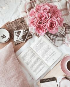 knows how to make a cozy reading spot. Show us your favorite reading spot by using and in the caption of your posts. Flat Lay Photography, Book Photography, Photography Hashtags, Photography Classes, Photography Backdrops, Fred Instagram, Instagram Tips, Cozy Aesthetic, Love Time
