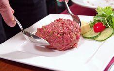 Beef Tartare | Rezept von 7Hauben Beef Tartare, Meatloaf, Food, Food Planner, Credenzas, Hoods, Meat, Food Food, Rezepte