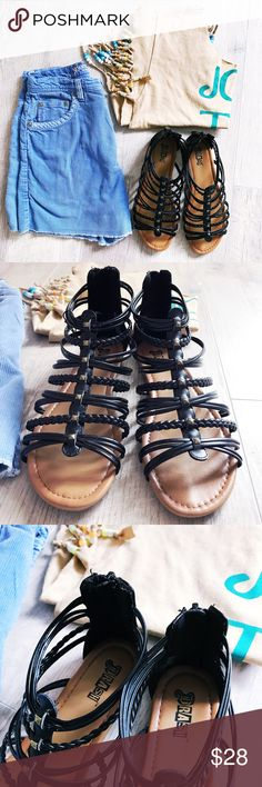 🌺SALE🌺🌞✨Brash gladiator ankle sandals✨🌞 NWOT!!!!🌺trendy gladiator sandals! Back zipper✔️gold studs✔️braided design✔️size 8! All man made material✔️ offers welcome!✌🏼no trades thank you! brash Shoes Sandals