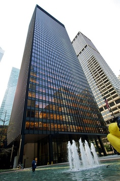 Seagram Building, Park Avenue, New York by Ludwig Mies van der Rohe completed in 1958.
