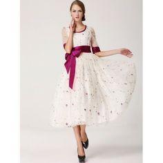 Vestido Fairy Tale Vestido longo em tecido Gauze com manga longa em linda estampa em desenho floral, acompanha laço de fita R$99,00   #vestidolongo #lojaoziris #moda #verao2014 #modafeminina #vestidoflor #vestidobranco #flor #delicado