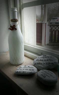 Gjort två nya fönster lampor av flaskor med rutmönster, ljusslinga och en liten detalj!