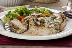 If you thought your diabetic diet couldn& include comfort foods, then think again! This Pork Chop Casserole recipe is perfect for anyone who is watching what they eat. It has all the taste and heartiness of a regular pork chop casserole, but with a Diabetic Recipes For Dinner, Healthy Snacks For Diabetics, Dinner Recipes, Diabetic Menu, Dinner Entrees, Healthy Eating, Pork Recipes, Low Carb Recipes, Cooking Recipes