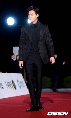 36th Blue Dragon Film Awards: Lee Min Ho #RedCarpet