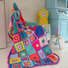 Circus blanket Made by Studio Hip en Stip - knotted blankets Granny Square Crochet Pattern, Crochet Granny, Crochet Baby, Knit Crochet, Crochet Patterns, Cable Knit Blankets, Knitted Blankets, Crochet Bedspread, Crochet Afghans