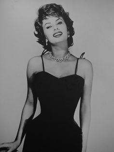Sofia Loren - beautiful! Love the short sassy hair.