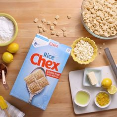 Put a zesty spin on a classic gluten-free favorite. Put a zesty spin on a classic gluten-free favorite. Chex™ Lemon Buddies are a crowd favorite for spring parties and family get-togethers. Brighten up your menu with this refreshing recipe. Yummy Snacks, Delicious Desserts, Yummy Food, Tasty, Healthy Snacks, Sweet Desserts, Just Desserts, Dessert Recipes, Chex Mix