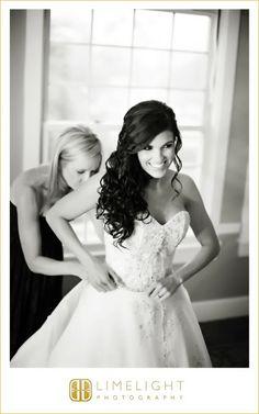 Limelight Photography, www.stepintothelimelight.com, Don Cesar, Bride Getting Ready, Bride, Wedding Dress.