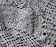 Vintage Tablecloth    Handmade Lace & Embroidery