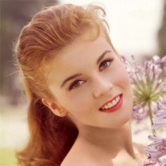 Ann-Margret has beautiful brows that frame her face perfectly. At Browhaus, we  can help you to achieve such a classic look.
