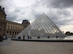 Piramide by Pei