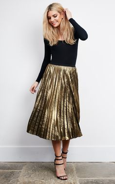 13 Ways to Wear Gold Pleated Skirts