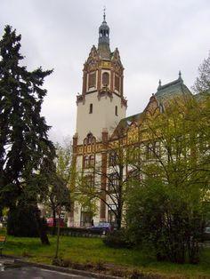 Town Hall (art nouveau) - Kiskunfélegyháza, Hungary. Town Hall, Hungary, Art Nouveau, My Arts, Mansions, Architecture, House Styles, Pictures, Travel