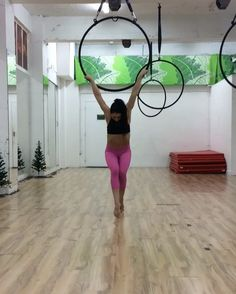 Creating Combos for Classes and Workshops. Making sure there is always an easier version, a prep and tips to get those tricks. More combos on the way. Excited for more classes tonight! X @lisettekrol #tribe #tribefitnessdancestudio #dublin #ireland #hoop #aerialhoop #lyra #hoopcombos #irishfitfam #fitness @dragonflybrand #spinning