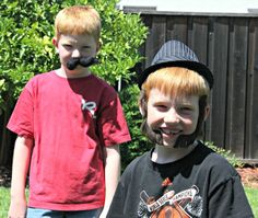 Unplug the kids from electronics for a fun Game of Impromptu Costume Comedy #Unplug2Play #shop #cbias
