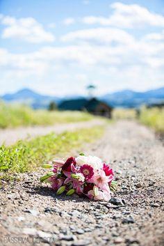 Esterbrook, Wyoming Wedding : Trent & Jessica - Cassie Madden Photography   Wedding Photography   Wedding Details   Bouquet