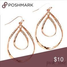 BELLE PIERCED EARRINGS A ribbon of textured rose gold fashions double teardrop earrings that shimmer with mini Austrian crystal accents. Rose Gold Dangle Earrings, Nickel Free Earrings, Teardrop Earrings, Pierced Earrings, Fashion Earrings, Fashion Jewelry, Park Lane Jewelry, Gold Fashion, Bridal Jewelry