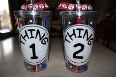 16 oz matching Thing 1 and Thing 2 Tumblers. Silhouette Cameo Gifts, Silhouette Vinyl, Silhouette Cameo Projects, Vinyl Tumblers, Acrylic Tumblers, Plastic Tumblers, Vinyl On Glass, Cute Cups, Grad Gifts