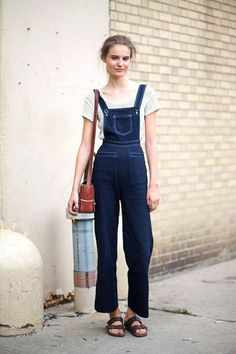 25 Perfect Overalls Outfits for Spring - style blue denim wide leg overalls with white contrast stitching, worn with Birkenstock sandals and a short sleeve crochet sweater Street Style Trends, New York Street Style, Spring Street Style, Street Chic, Denim Fashion, Star Fashion, Tilda Lindstam, Modell Street-style, Jeans Overall
