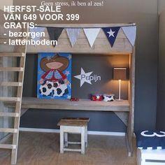 #high bed #hoogslaper met verstelbaar bureau #bureauslaper Pepijn http://www.zomerzoen.nl/kinderkamer-hoogslaper-pepijn.html
