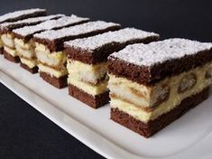 Creamy vanilla cuts with coffee flavor NejRecept. Individual Desserts, Czech Recipes, Tiramisu Cake, Chocolate Pies, No Cook Desserts, Dessert Bars, Baked Goods, Sweet Recipes, Cupcake Cakes