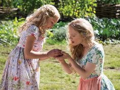 Ella-with-her-mother-cinderella-2015-38055602-2048-1536