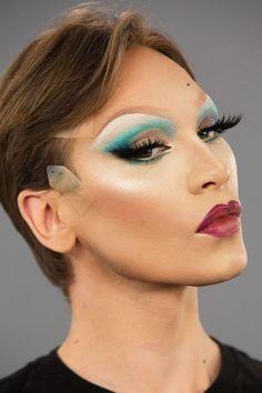 10 life-changing make-up hacks by Drag Queen Miss Fame Drag Queens, Pro Makeup Tips, Best Makeup Products, Makeup Hacks, Makeup Ideas, Makeup Tutorials, Diy Makeup, Drag Makeup Tutorial, Makeup Tutorial For Beginners
