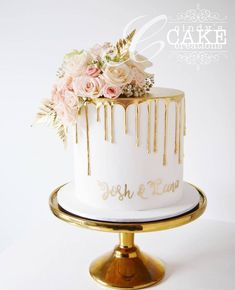 42 Yummy And Trendy Drip Wedding Cakes ♥ Unique, non-traditional cakes become more and more popular for wedding. Taking the internet by storm, drip wedding cakes became one of the hottest trends. Pretty Cakes, Beautiful Cakes, Amazing Cakes, Cake Cookies, Cupcake Cakes, Traditional Cakes, Engagement Cakes, Drip Cakes, Creative Cakes