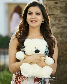 When You Dress Nice, Others Are Nicer To You. Many people enjoy trying to improve their fashion sense. South Indian Actress Photo, Indian Actress Photos, South Actress, Samantha In Saree, Samantha Ruth, Beautiful Girl Indian, Beautiful Indian Actress, Samantha Images, Prettiest Actresses