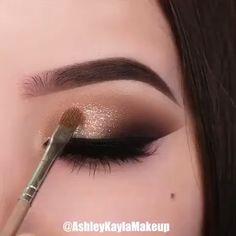 So pretty ❤️😍 By: @ashleykaylamakeup Eye Makeup Steps, Eye Makeup Art, Smokey Eye Makeup, Makeup Kit, Makeup Tools, Beauty Makeup, Red Makeup, Hair Beauty, Beautiful Eye Makeup