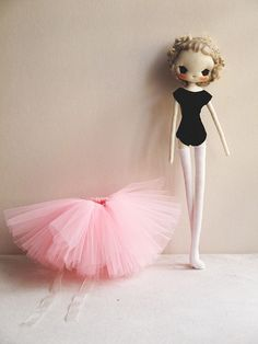 She is a ballerina, and a deer. This is Elisabeth with her tutu And here's her dress up like a deer :) ok, now let's see . Plush Dolls, Doll Toys, Baby Dolls, Doll Crafts, Diy Doll, Pretty Dolls, Beautiful Dolls, Marionette, Soft Dolls