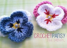 These free crochet flower patterns are just what you need to create all the pins and embellishments you can imagine. You can also crochet flowers for an everlasting bouquet! Learn how to crochet a flower today with these stunning designs. Beau Crochet, Crochet Puff Flower, Crochet Patron, Knitted Flowers, Crochet Flower Patterns, Love Crochet, Beautiful Crochet, Knit Crochet, Irish Crochet