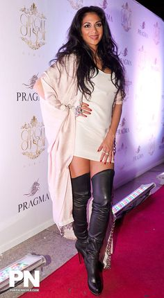 Nicole Scherzinger & Sexy in Leather Boots for Men In Black Nicole Scherzinger, Black High Boots, Thigh High Boots, High Heel Boots, Knee Boots, Celebrity Boots, Sexy Stiefel, Sexy Boots, Mode Outfits