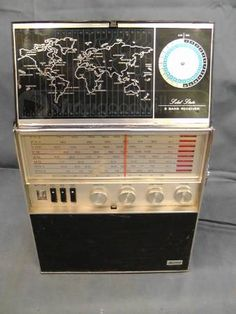 Allied 2682 8 Band Solid State Radio